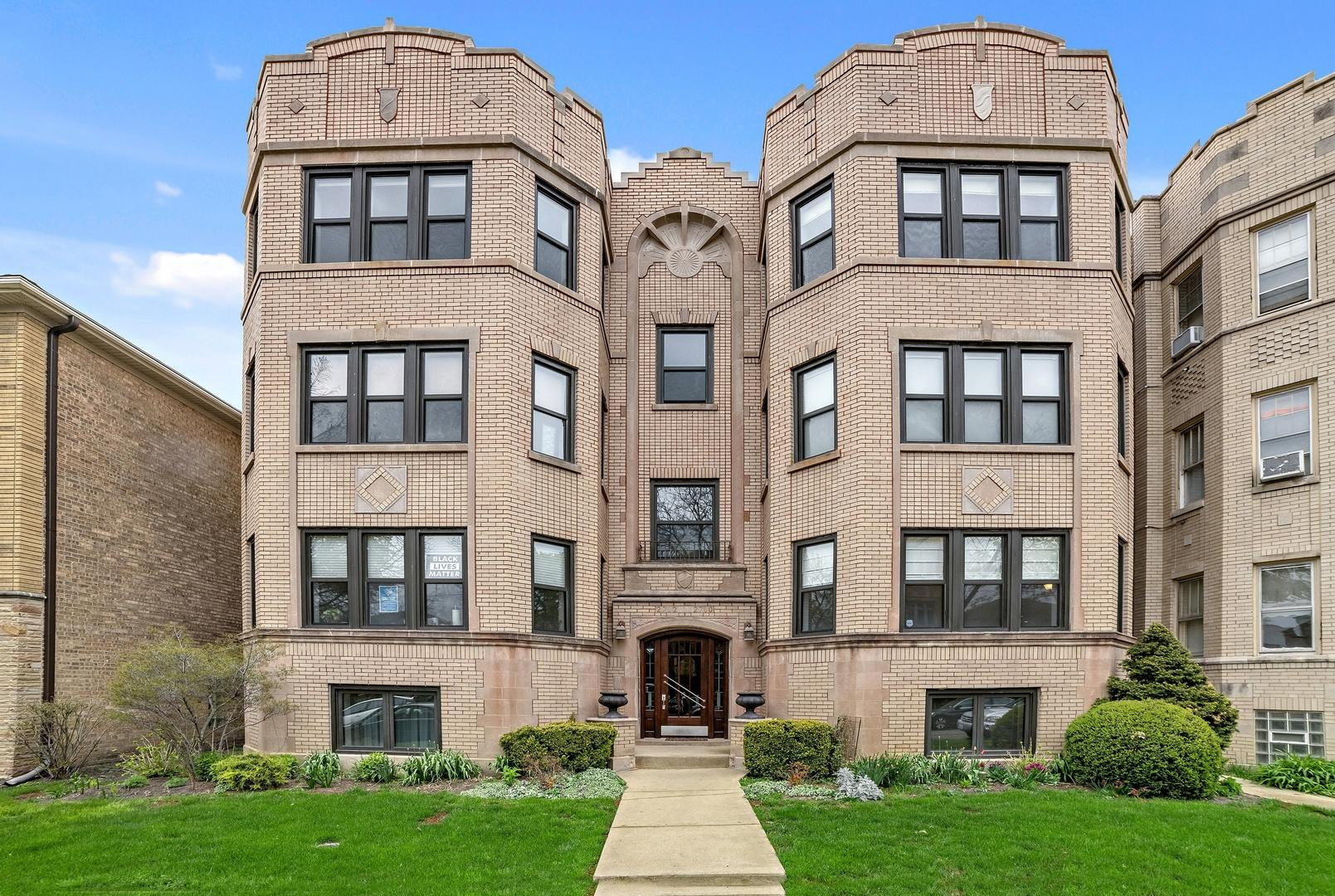 2710 W Greenleaf  Avenue, Unit A photo