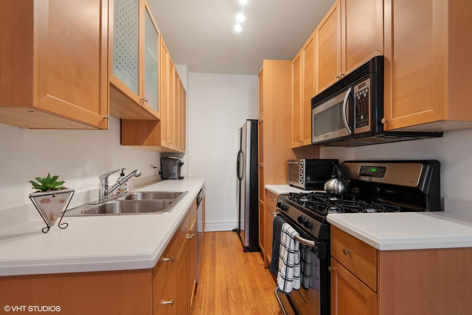 734 Noyes  Street, Unit N3 photo