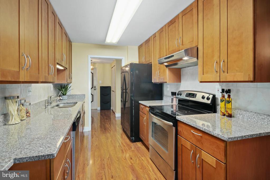 930 W MONTGOMERY AVENUE Unit: T2 photo