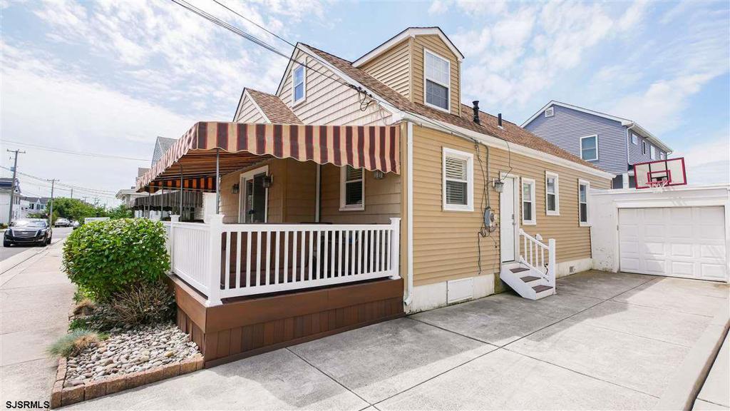 36 N Douglas Ave photo