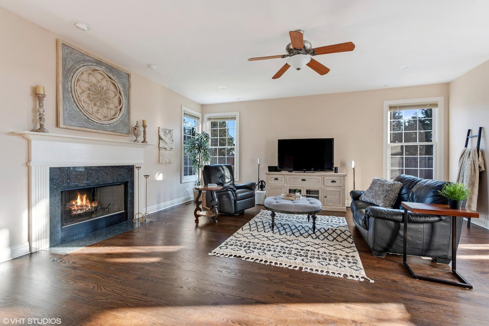 2597 Independence  Avenue preview
