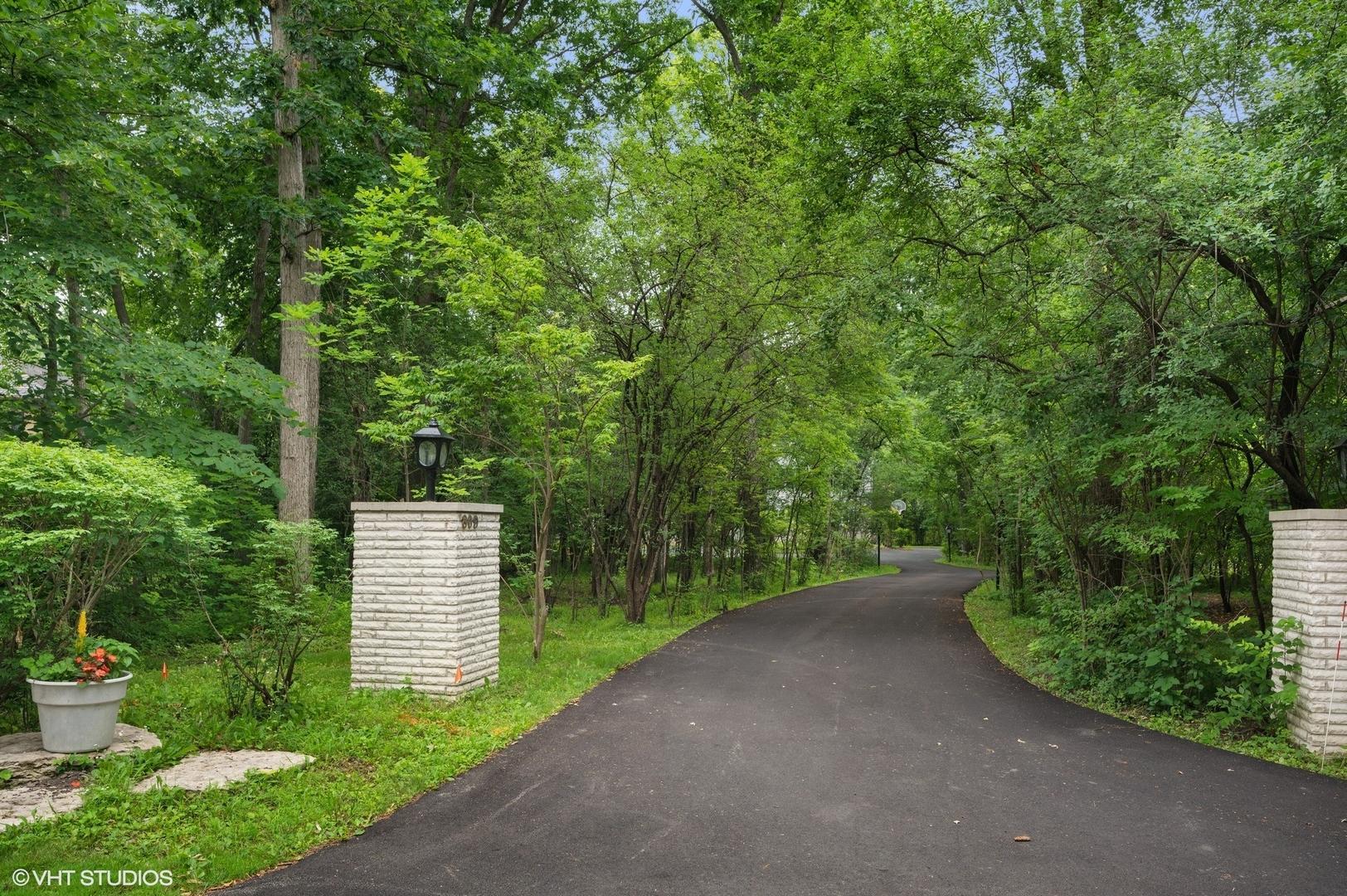 809 Greenacres  Lane photo