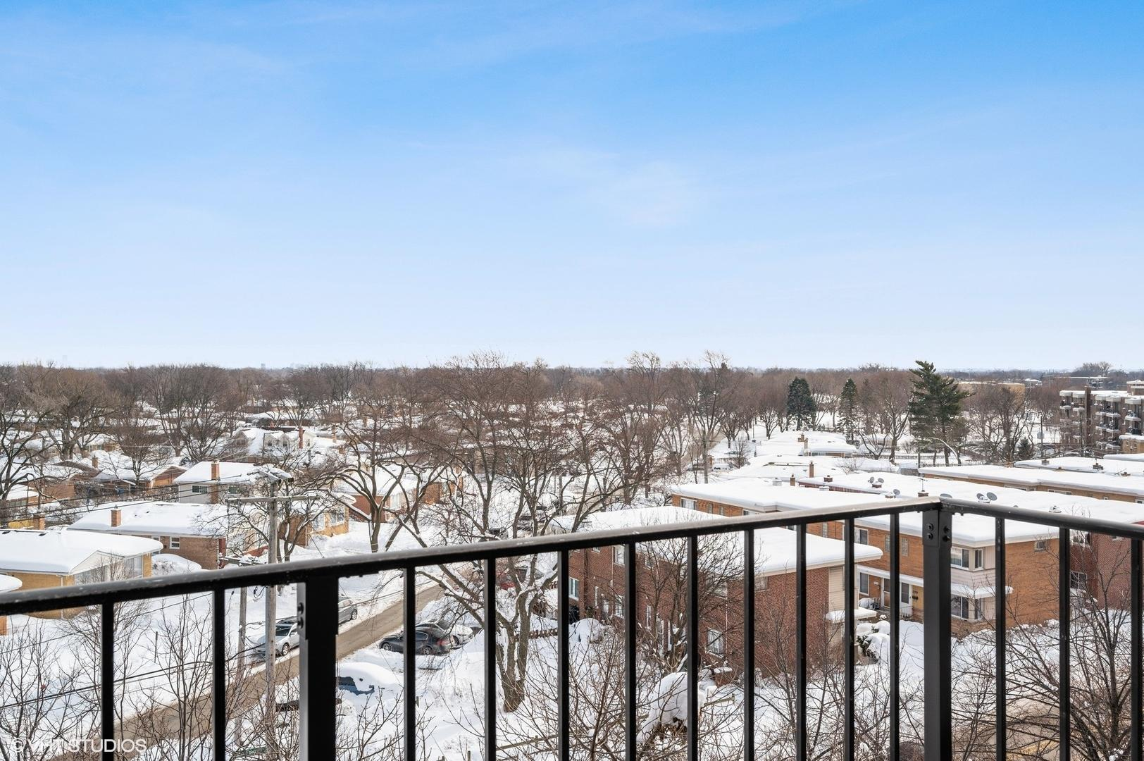 9560 Gross Point  Road, Unit 602B preview