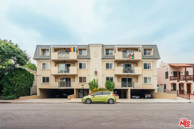 637 N West Knoll Dr # 304 photo