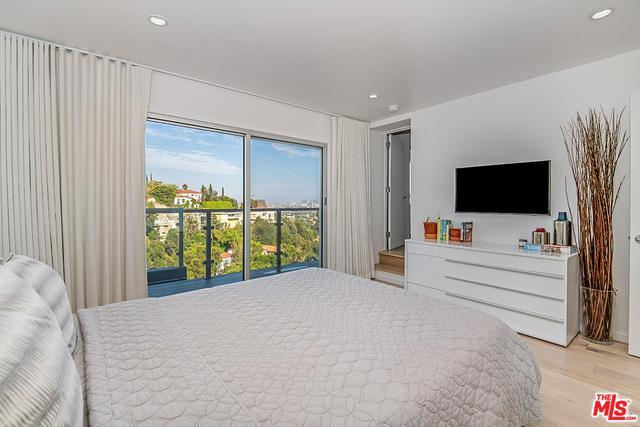 1430 Miller Drive   West Hollywood photo