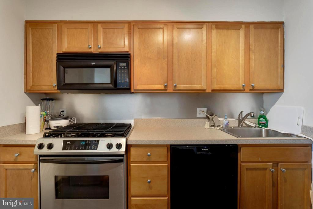 604-36 S WASHINGTON SQ #2402-2404-2406 photo