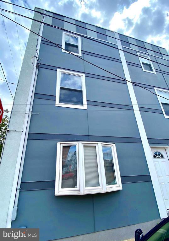 426 W OXFORD STREET photo