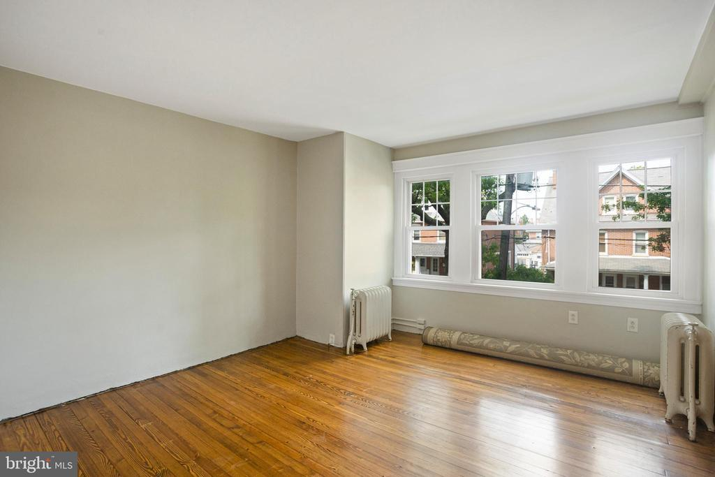 358 3RD AVE photo