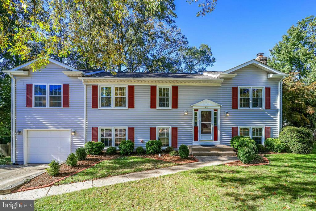 5622 POINT ROUNDTOP COURT