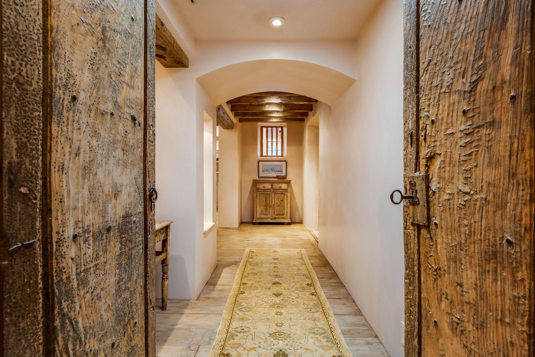 1434-A Bishops Lodge Road