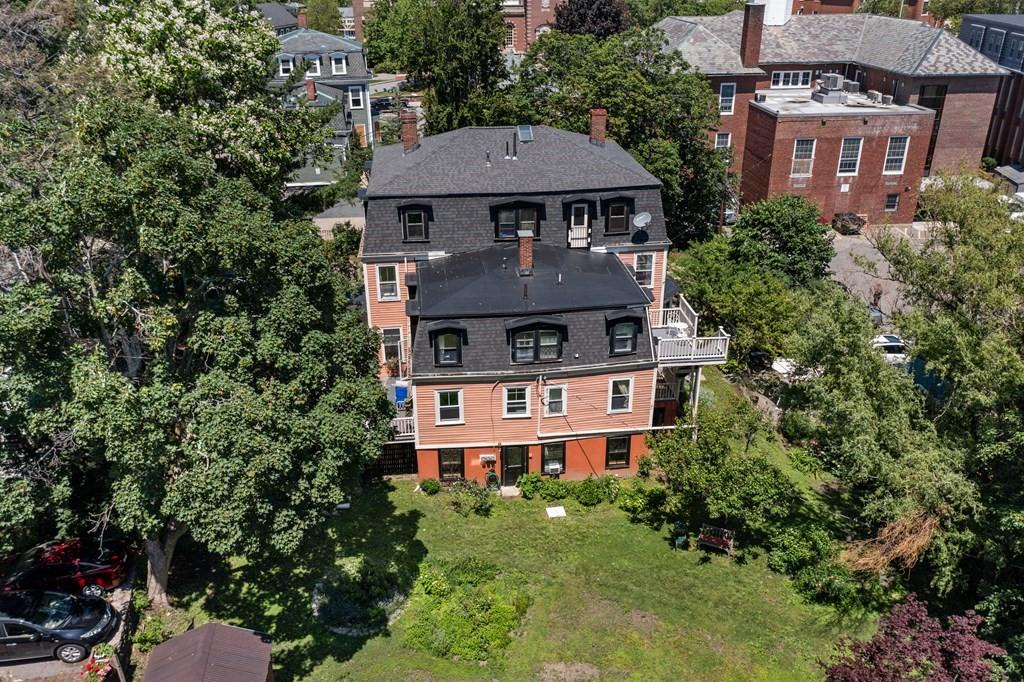 11-12 Goodwin Place