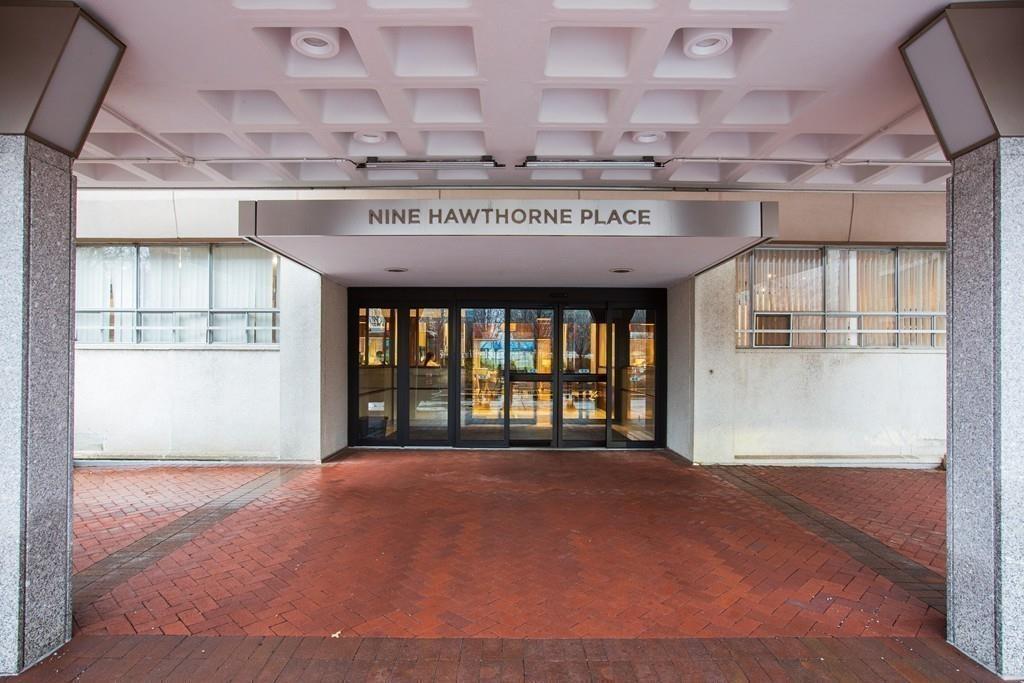 9 Hawthorne Place Unit: 12R photo