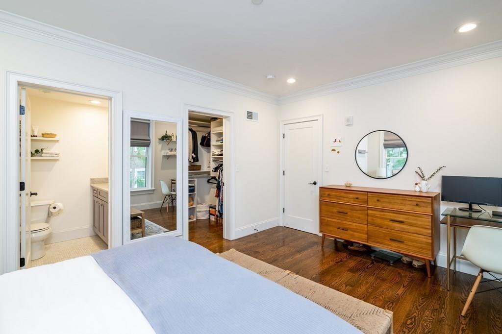 136 Sydney Street Unit: 8 photo