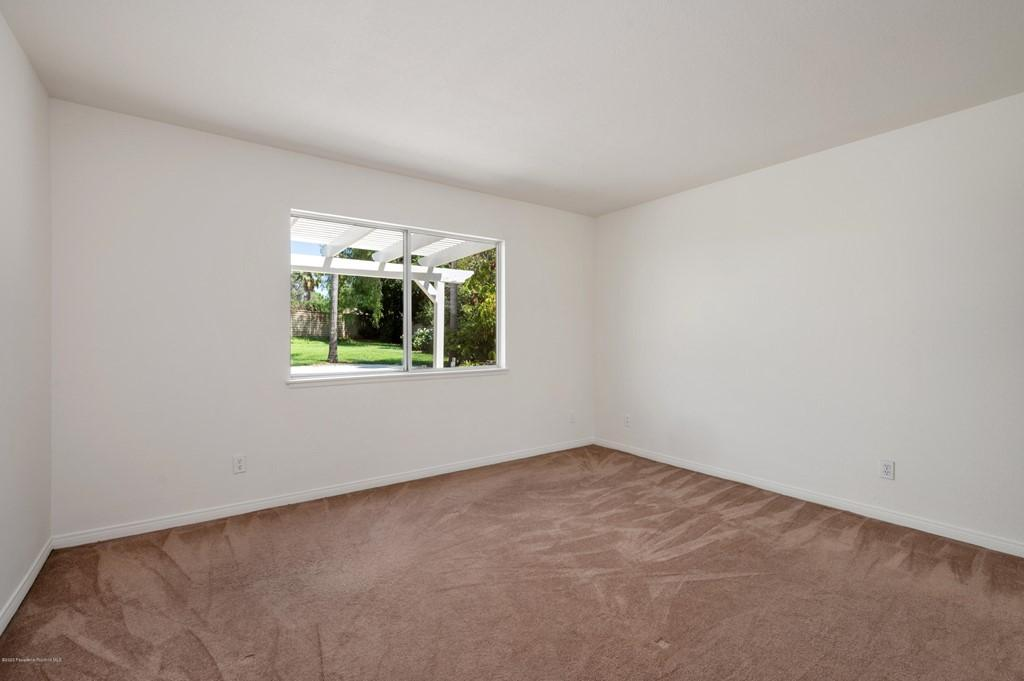 10652 Rathburn Avenue photo