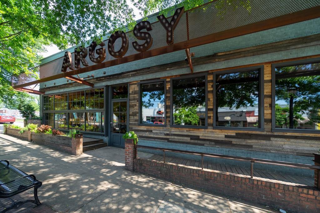 390 E Side Avenue photo