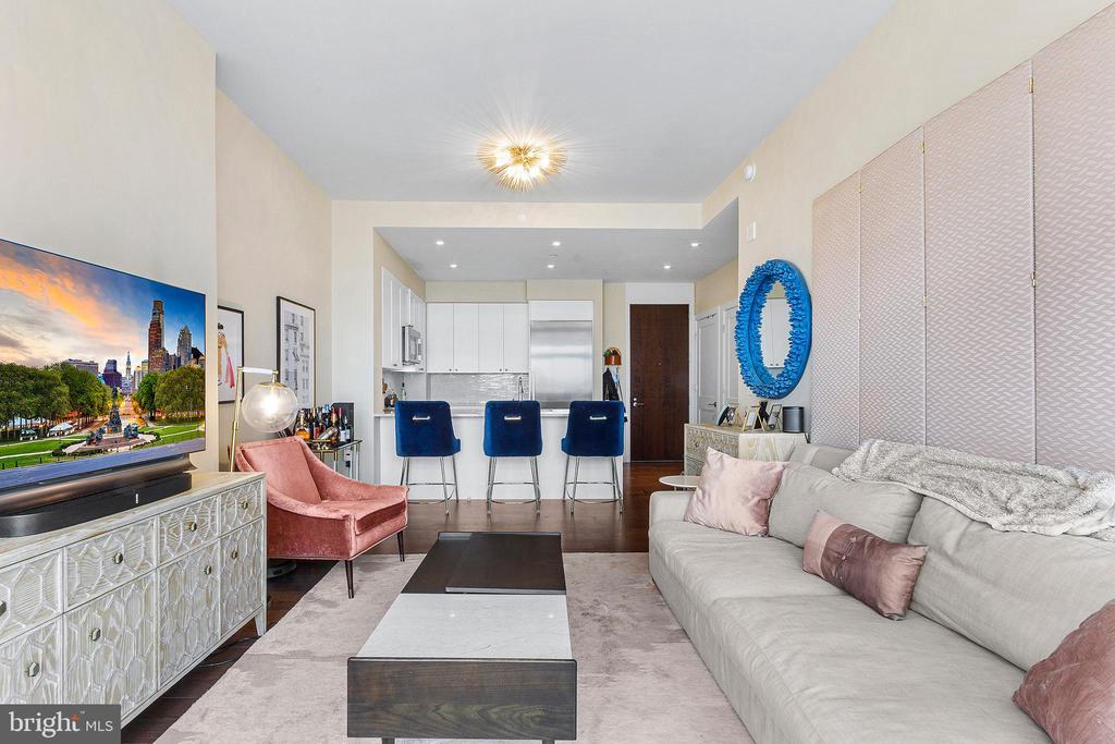 210-20 S 25TH ST #1402 preview