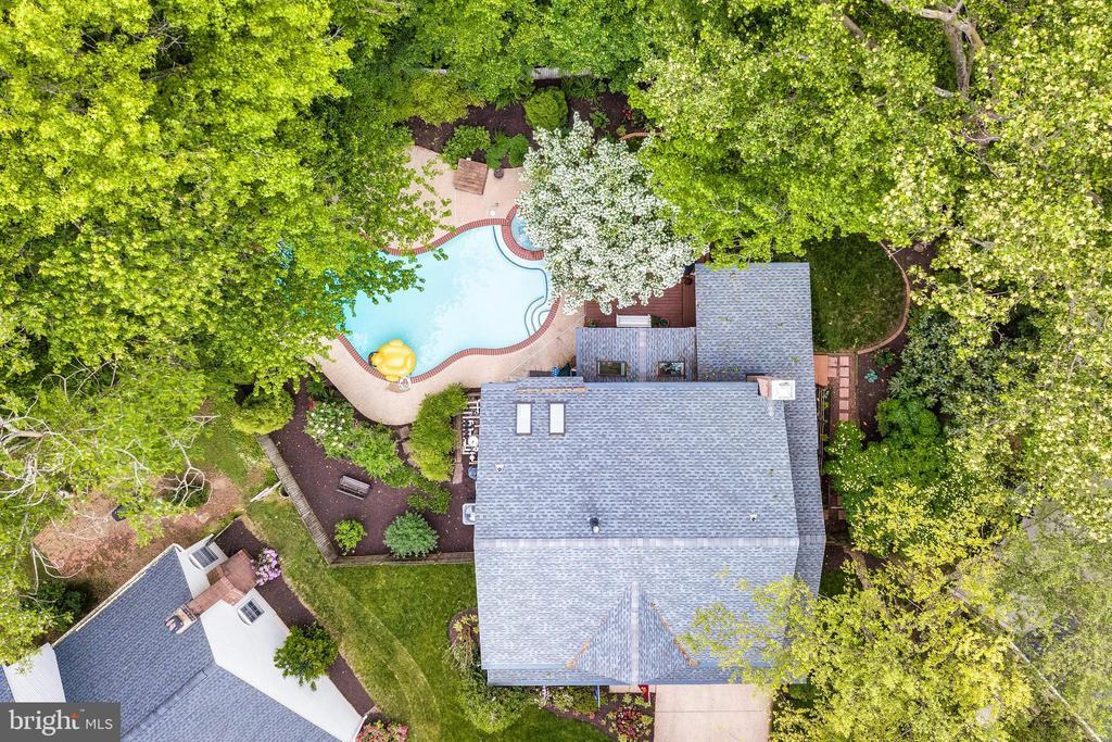 1604 PICADILLY CT