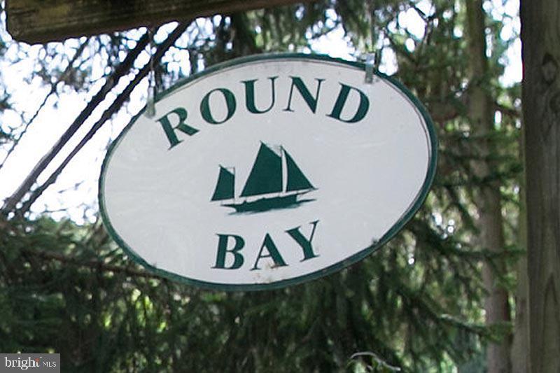 121 ROUND BAY RD