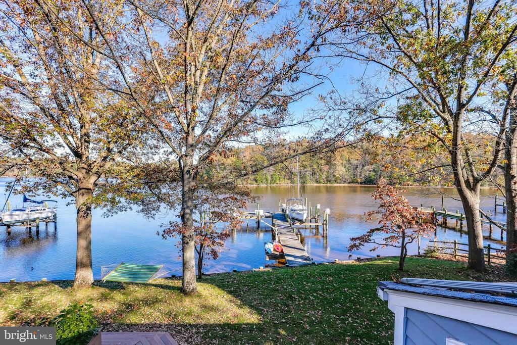 539 POINT FIELD DR