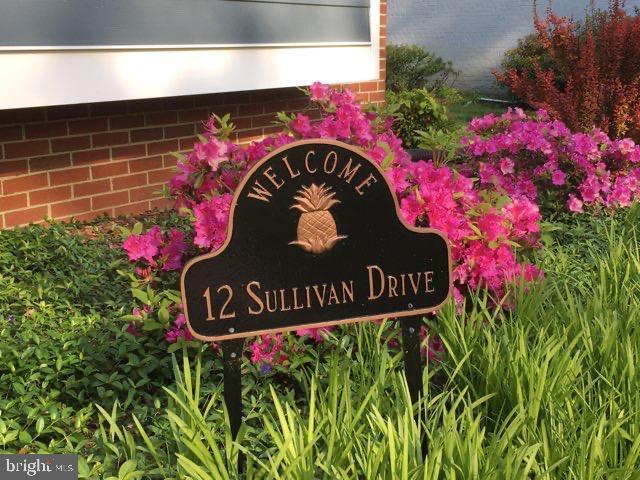12 SULLIVAN DR