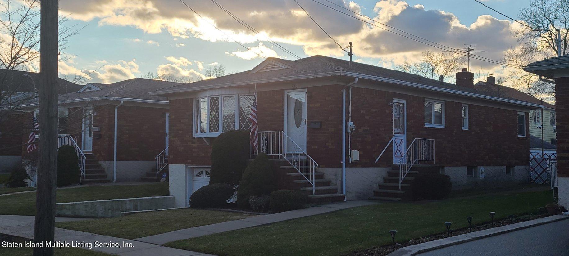 210 Collfield Avenue preview