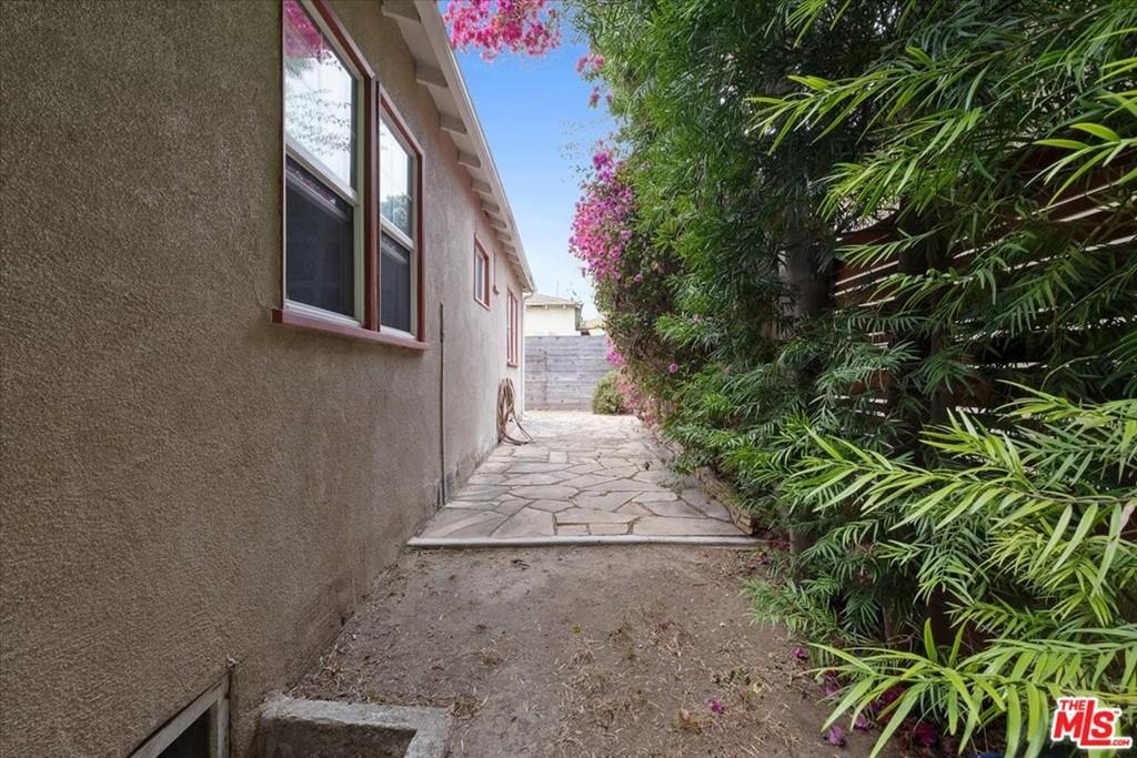 1037 Hill Street photo