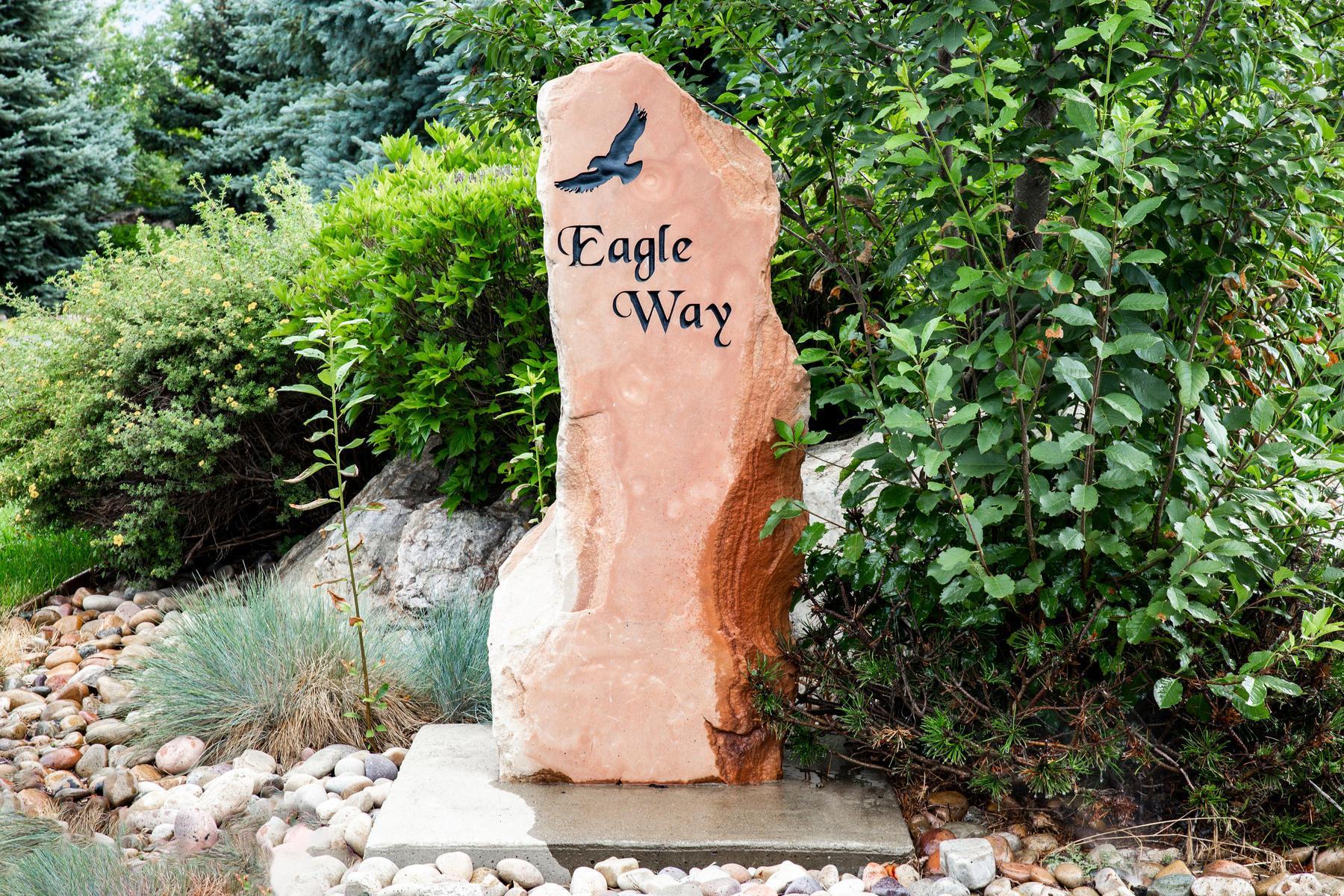 8867 E Eagle Way