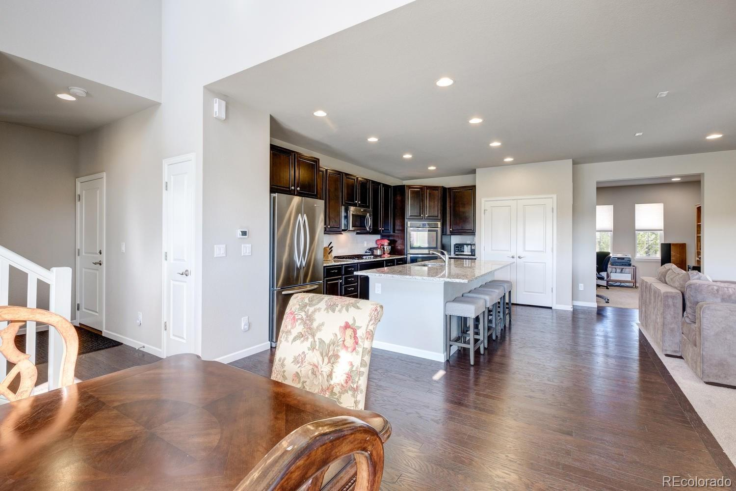 3474  Ghost Dance Drive preview