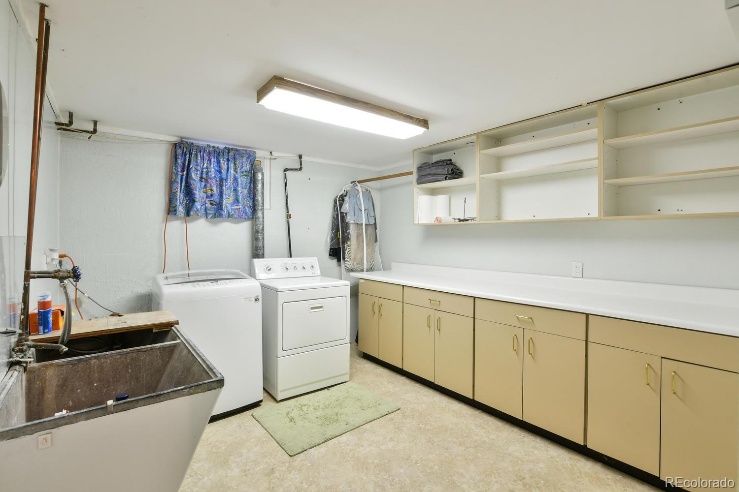 3298 S Holly Street preview