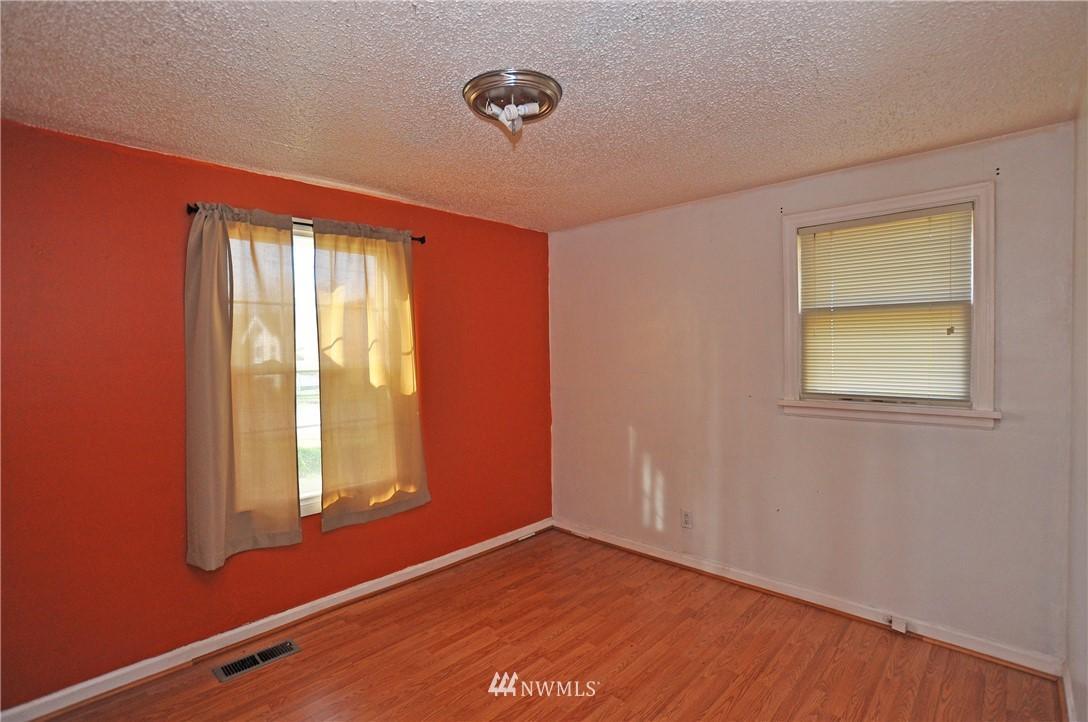 3015 S 68th  Street photo
