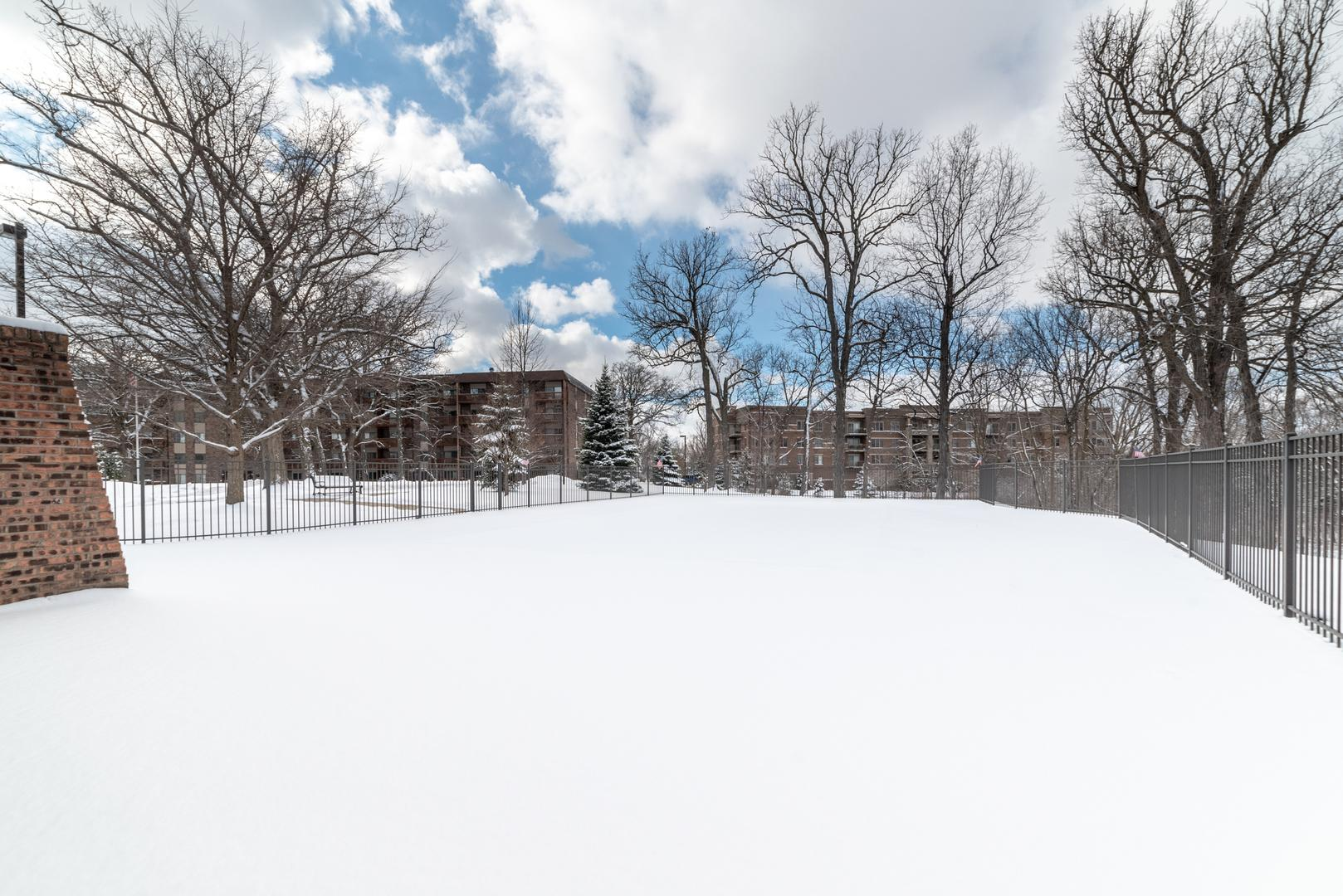 125 Lakeview  Drive, Unit 310 photo