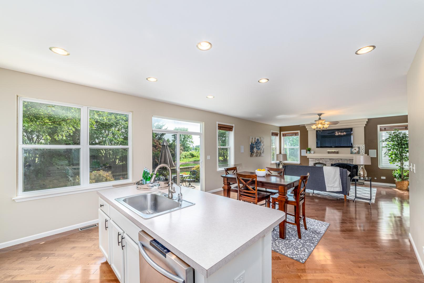 554 Valley View  Drive photo