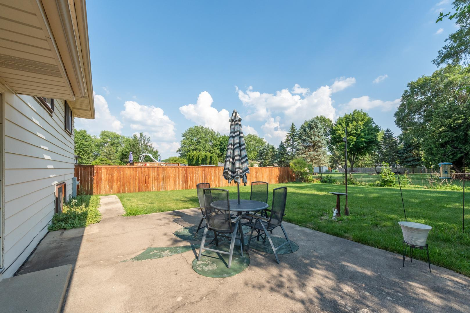 813 Forest  Court photo