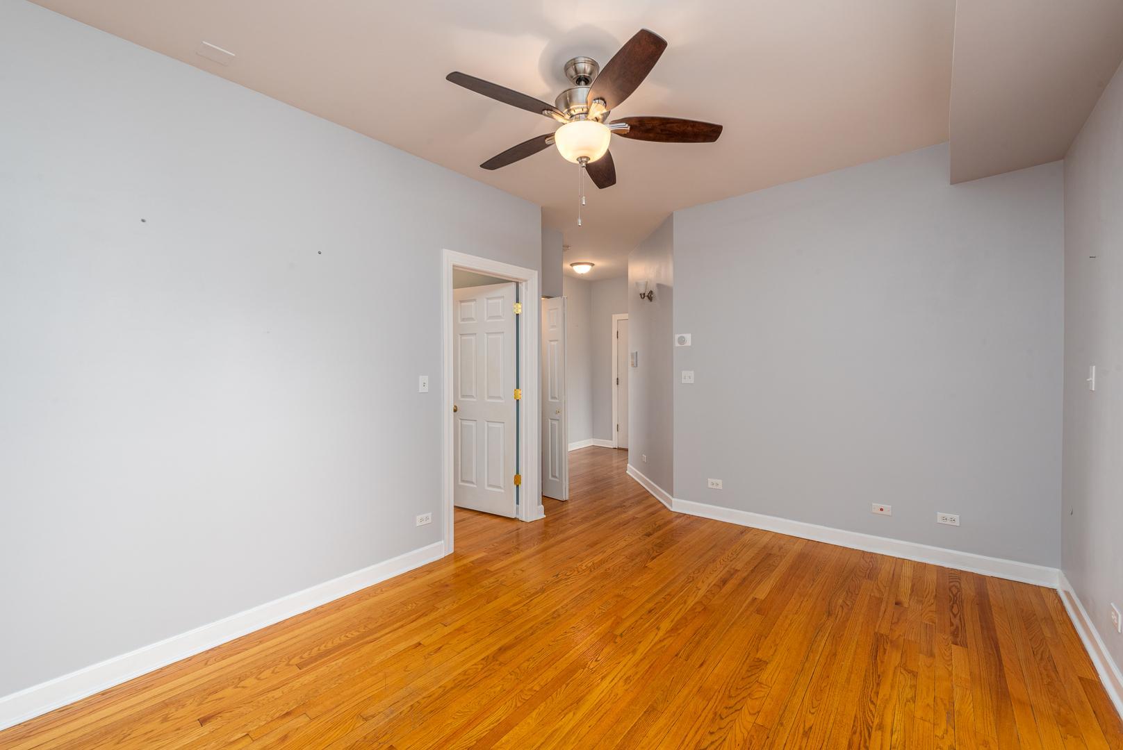 4016 N Albany  Avenue, Unit 2 photo