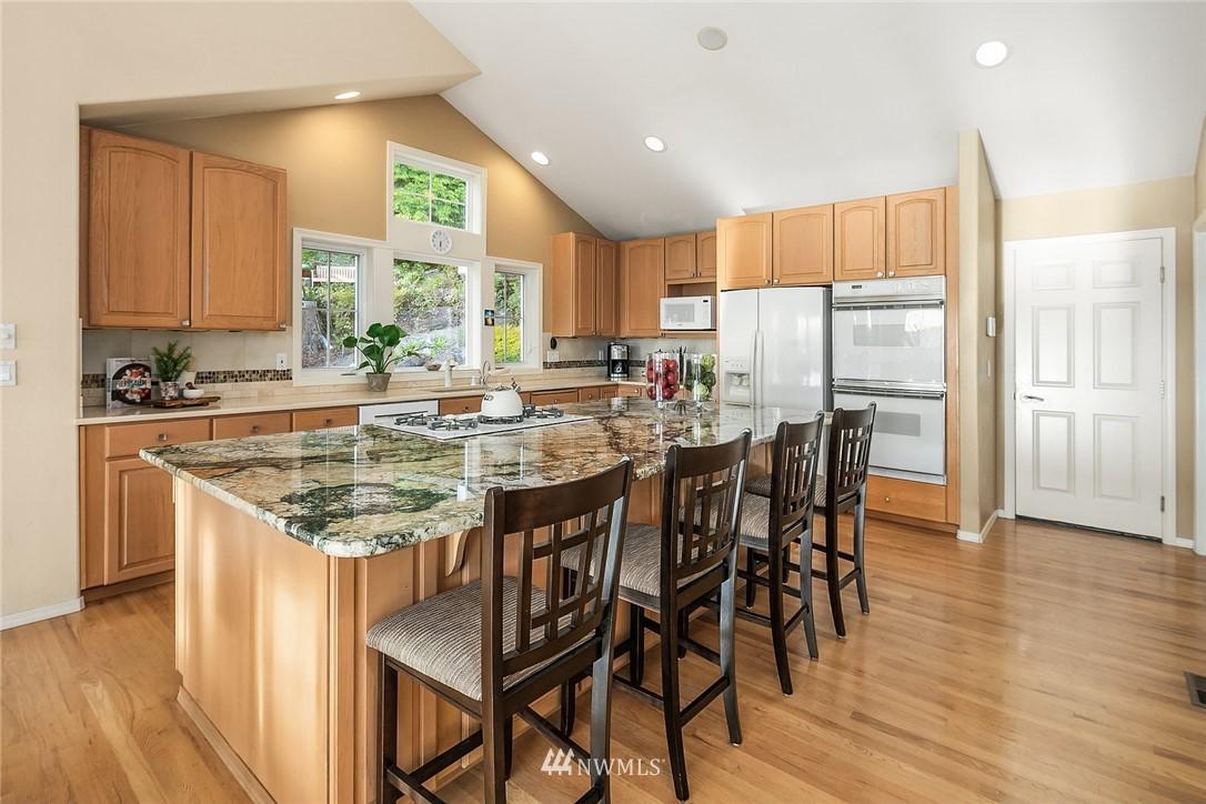 1650 204th Avenue NE photo
