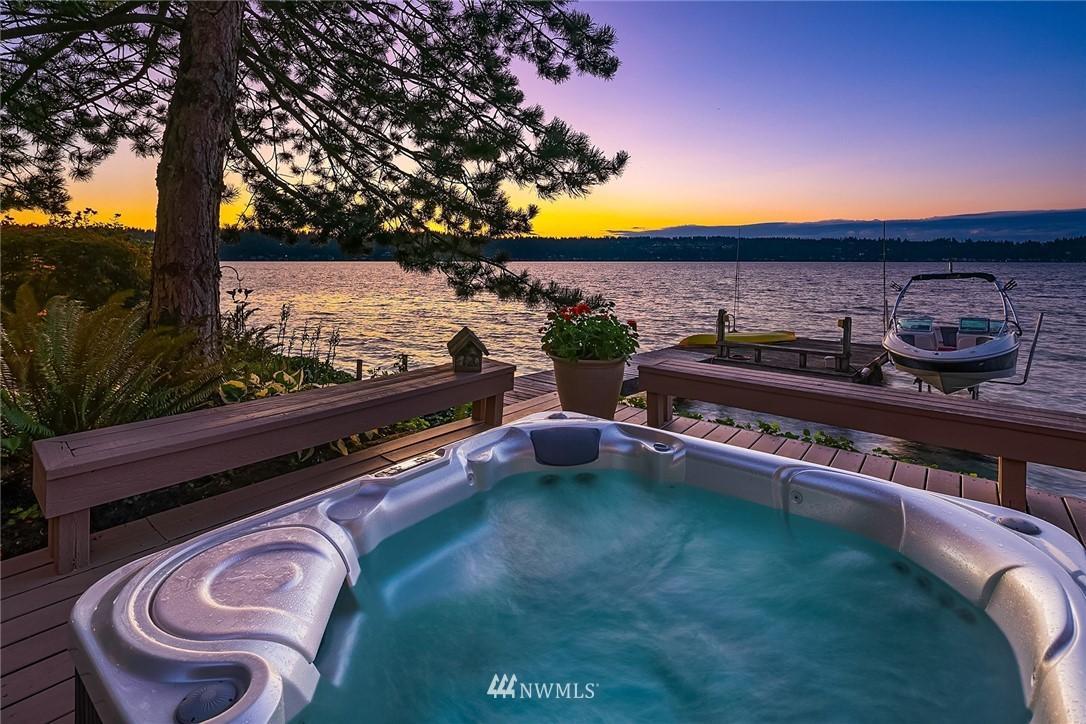 1631 E Lake Sammamish SE  Place photo