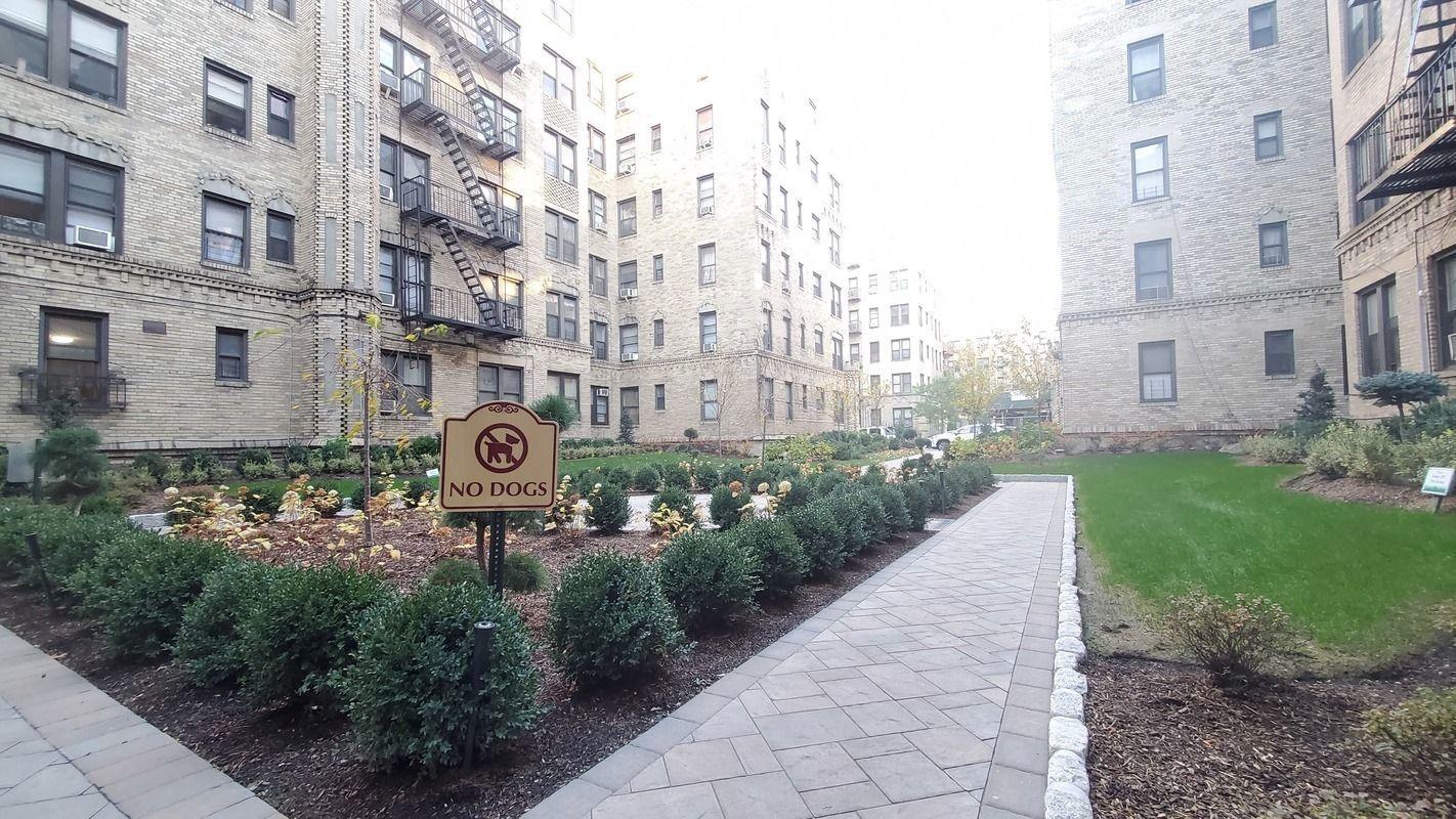 2075 Wallace Avenue Unit: 341 photo