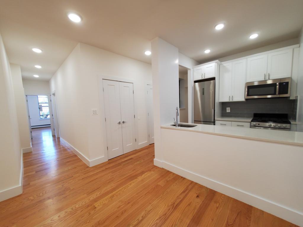539 Lenox Avenue 3-D photo