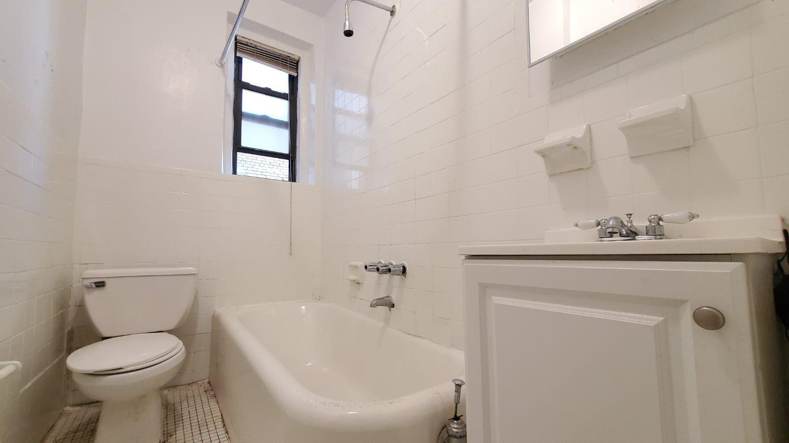 2081 Wallace Ave #575 photo