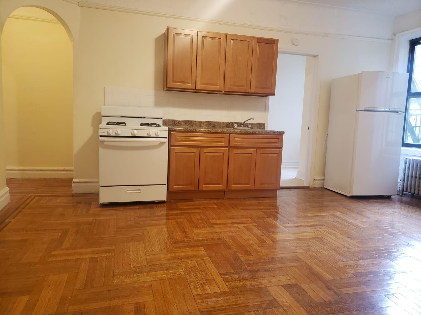 2081 Wallace Ave #571 photo