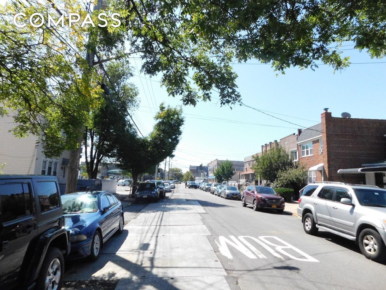 2729 Matthews Avenue Unit: 3 photo