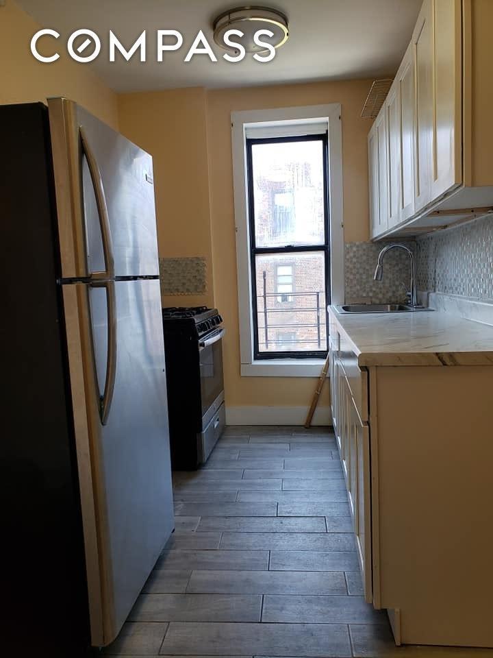 693 E 189th Street Unit: 14 photo