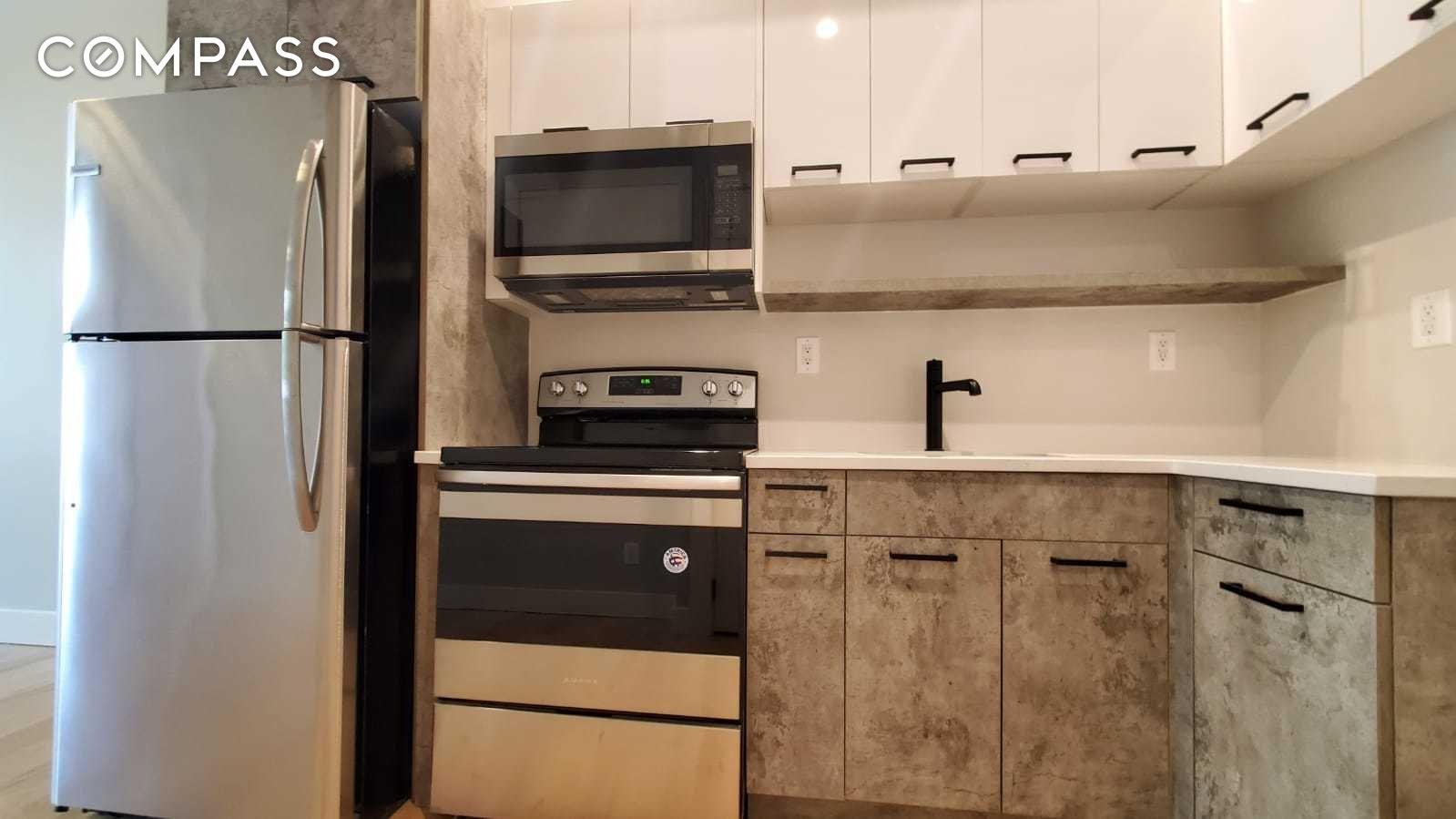 1409 Bryant Avenue Unit: 2-B photo