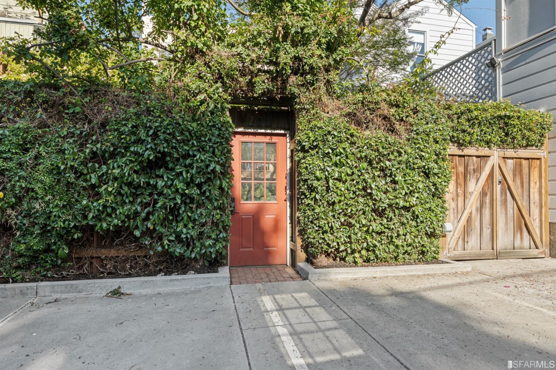 208 Fair Oaks Street photo