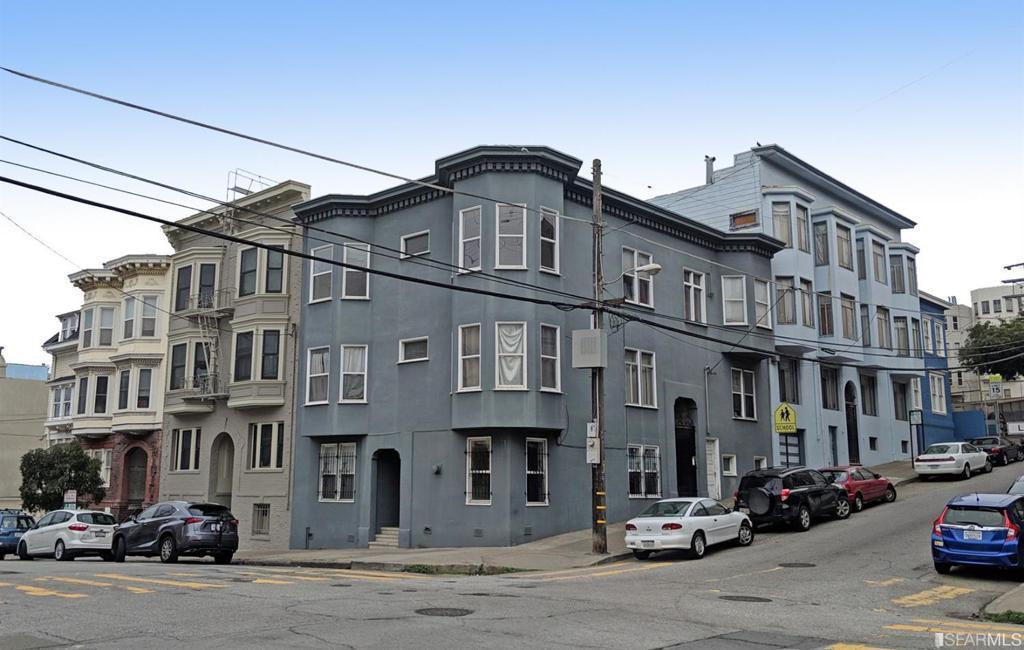 1590 Washington Street photo