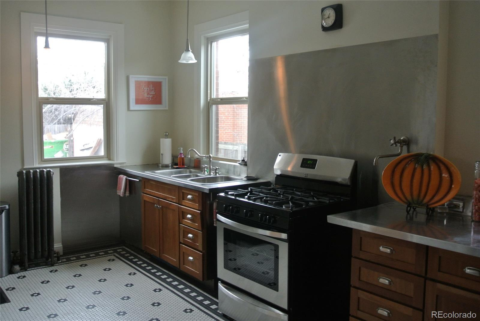 328 S Lincoln Street preview