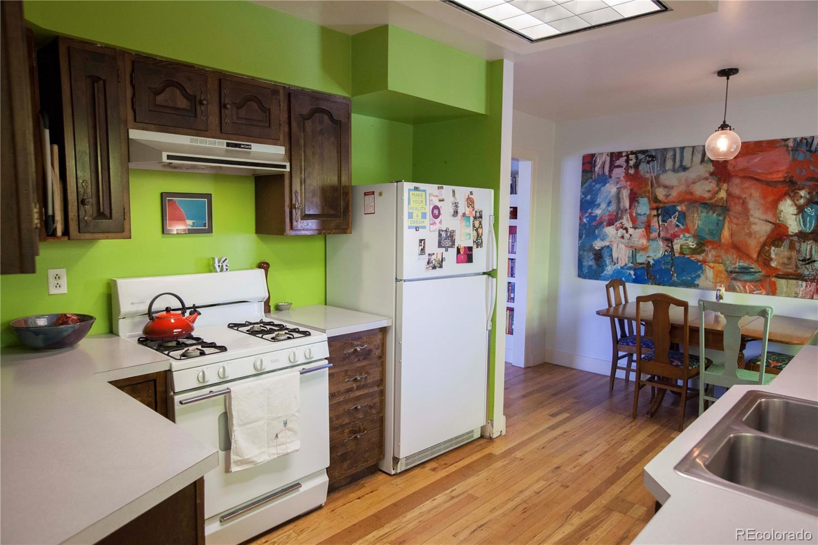 690 S Eliot Street preview