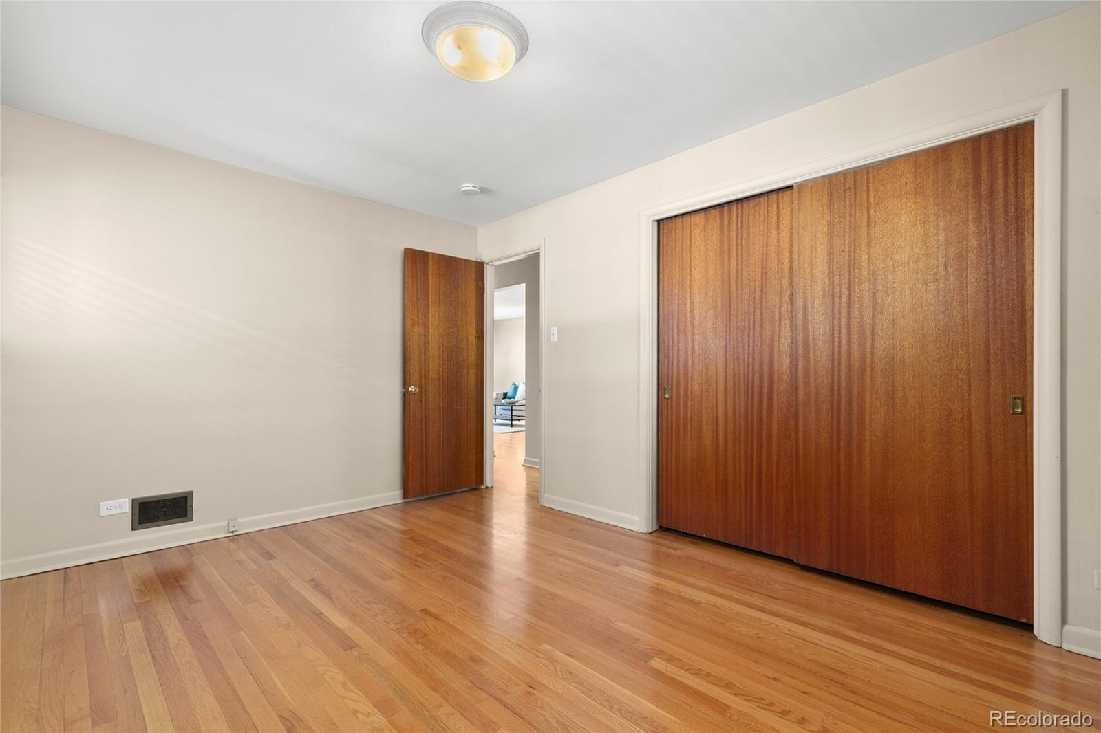 3170 S High Street preview