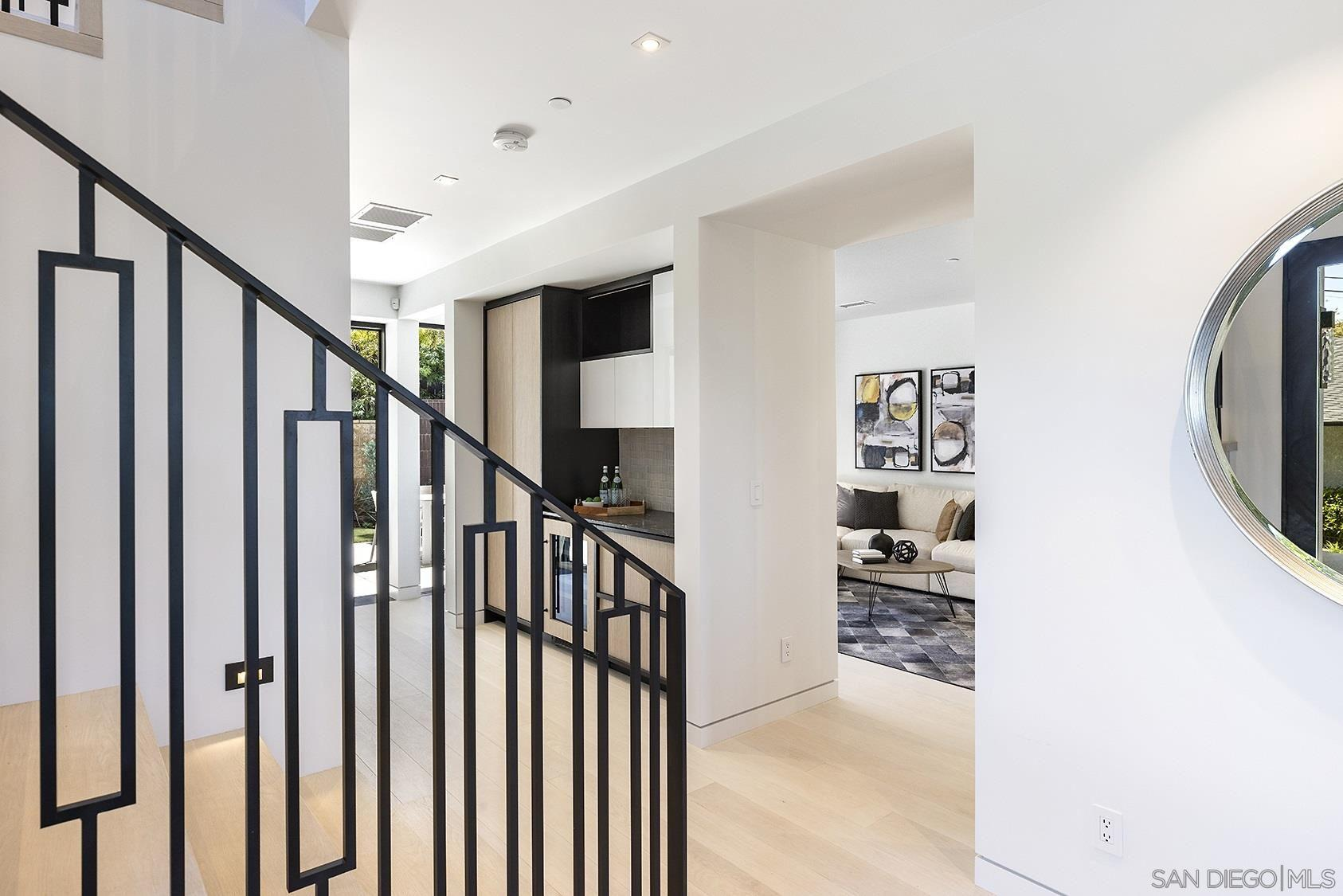 2045 LOWRY PLACE preview