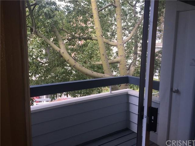 20345 Rue Crevier Unit: 507 photo